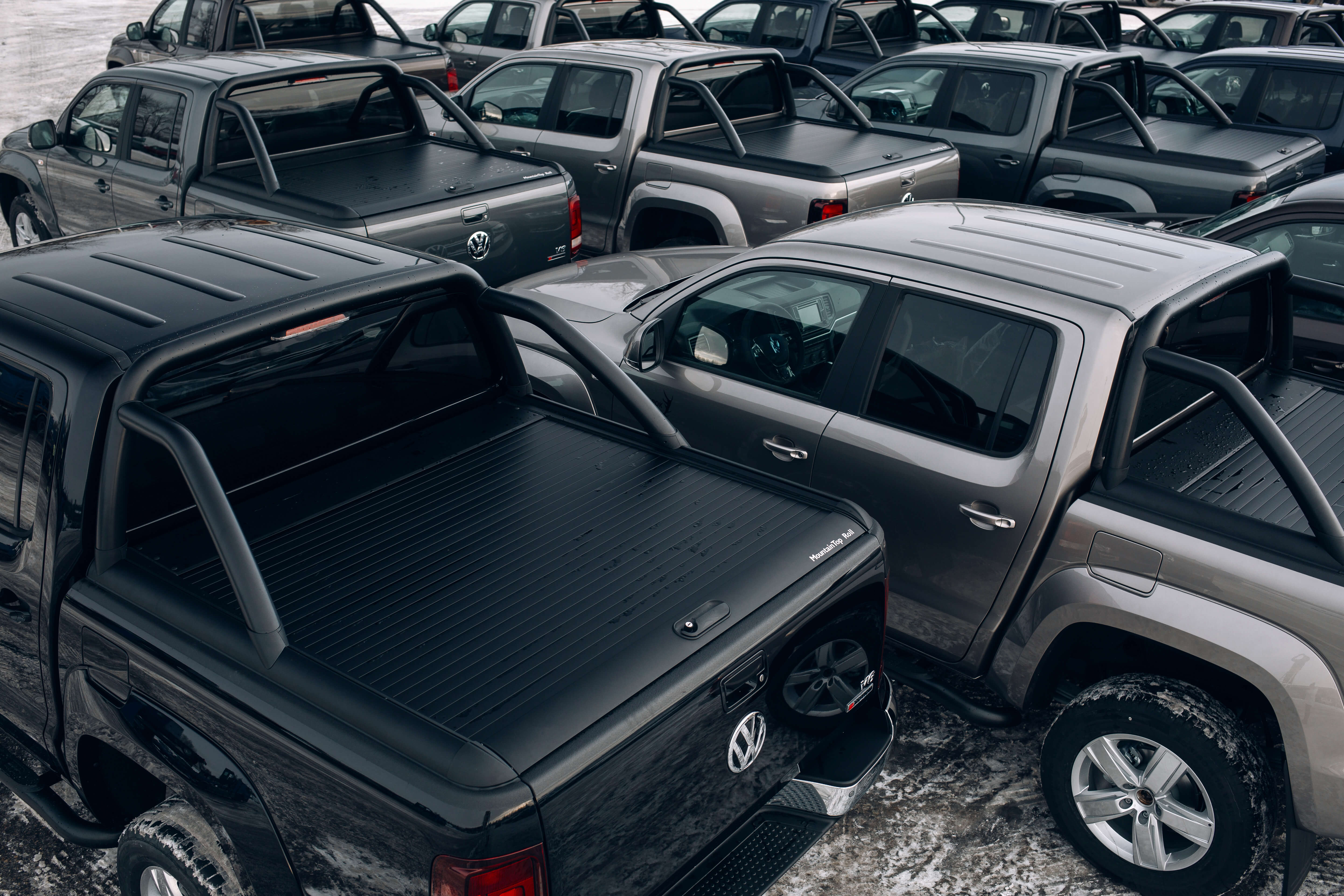 Mountain Top Pickup Truck accessories trusted by global car manufacturers - Roll Cover and Sports Bar for VW